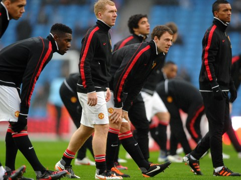 Paul Scholes mocked by Jonny Evans during warm-up before Manchester United comeback
