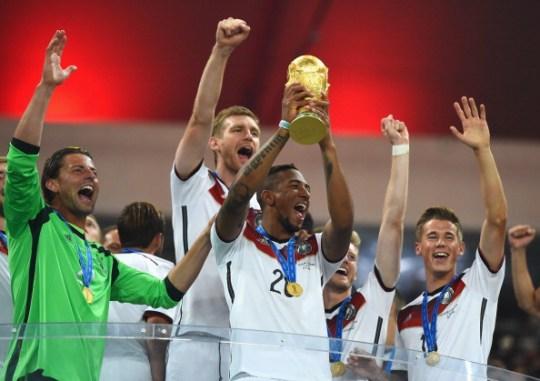 Zagueiro alemão Jerome Boateng comemorando a vitória na Copa do Mundo de 2014