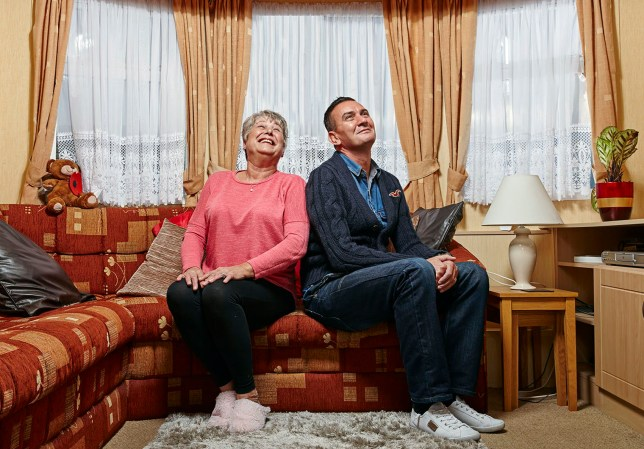 Television programme : Gogglebox - Jenny and Lee