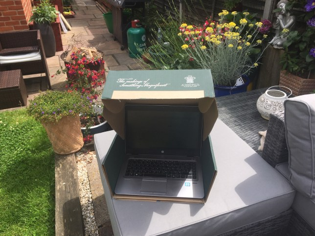 Easiest hack ever to stop laptop glare when working in the sun - and all you need is a cardboard box