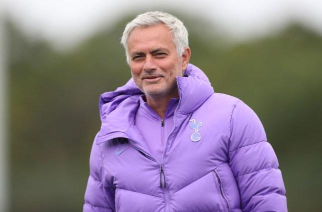 Jose Mourinho wants to sign Chelsea striker Olivier Giroud for Tottenham