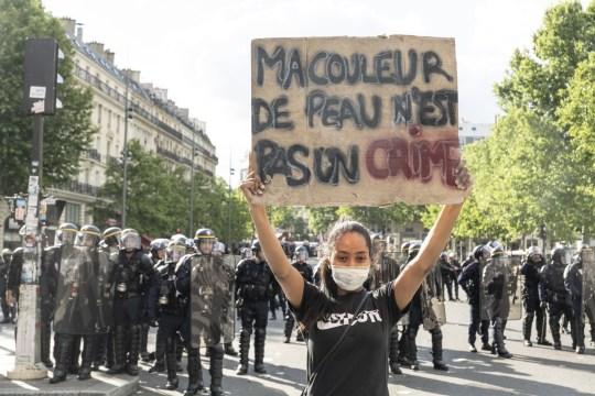 Une manifestation internationale contre les violences policières et le racisme le samedi 13 juin, soulignant la mort d'Adama Traoré