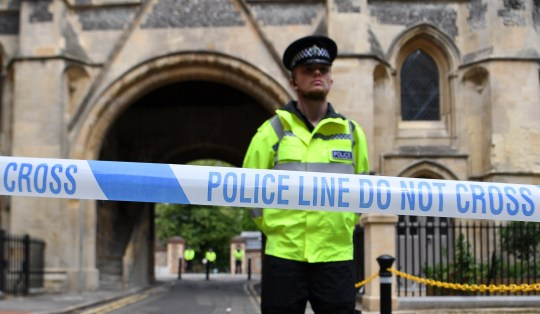 epa08499954 A police cordon close to the scene where three people were stabbed in Forbury Gardens in Reading, Britain, 21 June 2020. British Police have now declared the incident, where three people were stabbed, a terrorist attack. EPA/ANDY RAIN