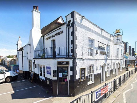 Another pub forced to shut for 72-hour deep clean after customer contracts virus