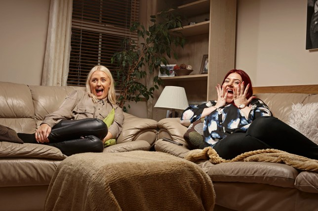 Television programme: Gogglebox with Ellie & Izzi.