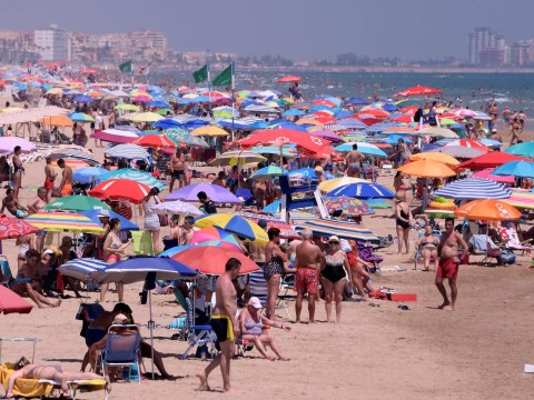 Spanish resort closes all nightclubs after spike of infections in young people