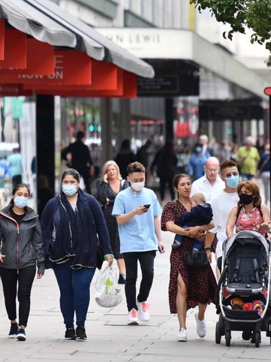 61% of people wore face coverings last week
