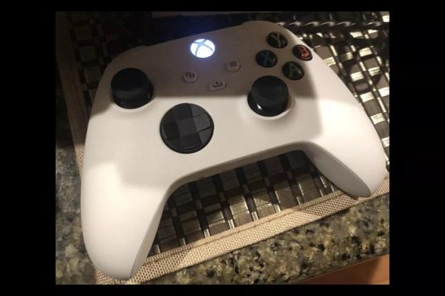 Xbox Series X controller white