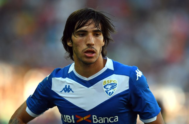 Sandro Tonali has turned down a move to Manchester United this summer