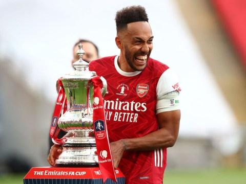 Arsenal must make transfer promise to Pierre-Emerick Aubameyang, says Robin van Persie