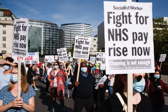 Thousands of NHS workers to demand pay rise at weekend ...