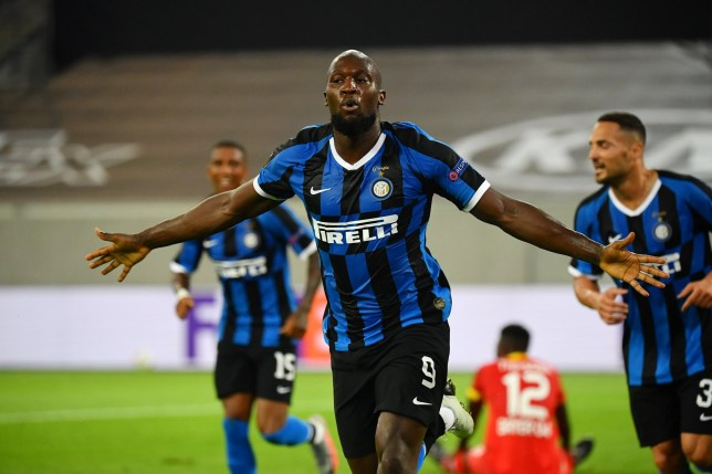 DUESSELDORF, GERMANY - AUGUST 10: Romelu Lukaku of Inter Milan celebrates after scoring his sides second goal during the UEFA Europa League Quarter Final between FC Internazionale and Bayer 04 Leverkusen at Merkur Spiel-Arena on August 10, 2020 in Duesseldorf, Germany. (Photo by Stuart Franklin/UEFA via Getty Images)
