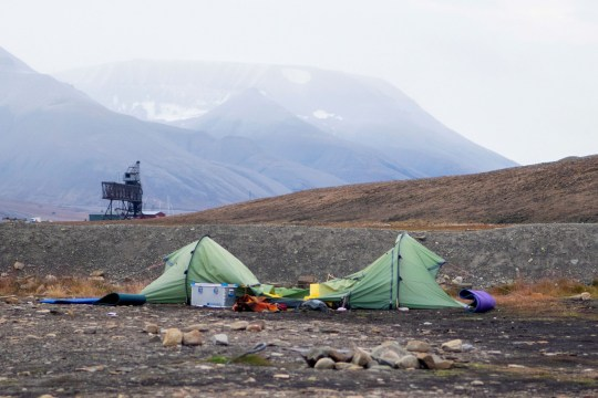 The tent of Dutch citizen Johan Jacobus Kootte, 38, who was killed by a polar bear, is pictured at the campsite outside Longyearbyen in the Svalbard archipelago, Norway August 28, 2020. Line Nagell Ylvisaker/NTB Scanpix/via REUTERS ATTENTION EDITORS - THIS IMAGE WAS PROVIDED BY A THIRD PARTY. NORWAY OUT. NO COMMERCIAL OR EDITORIAL SALES IN NORWAY.