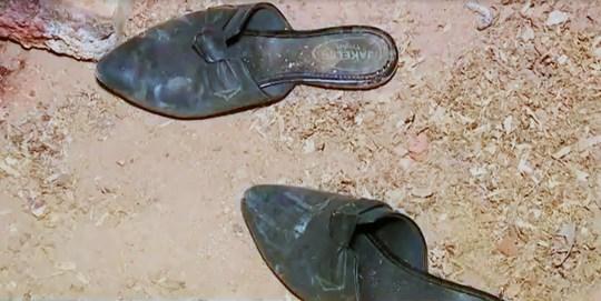 Ce qui a été trouvé sur la scène du crime à Canelinha où Flavia Godinho Mafra a été tuée.  (Newsflash).