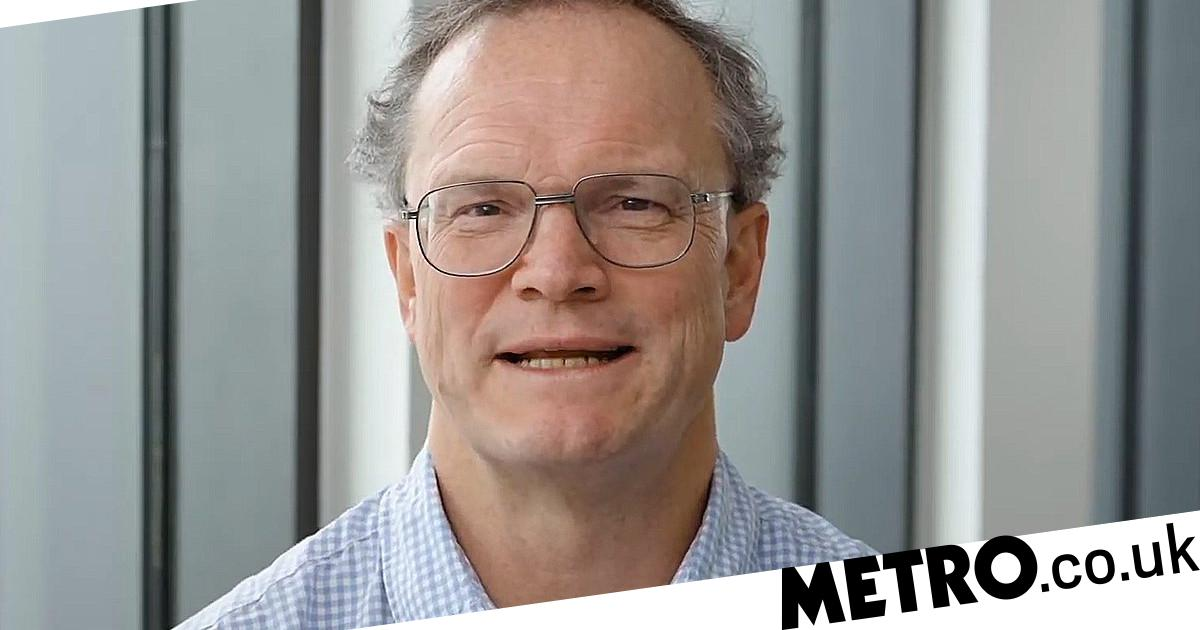 Admiral Insurance boss gives staff £10,000,000 bonus after retiring - metro