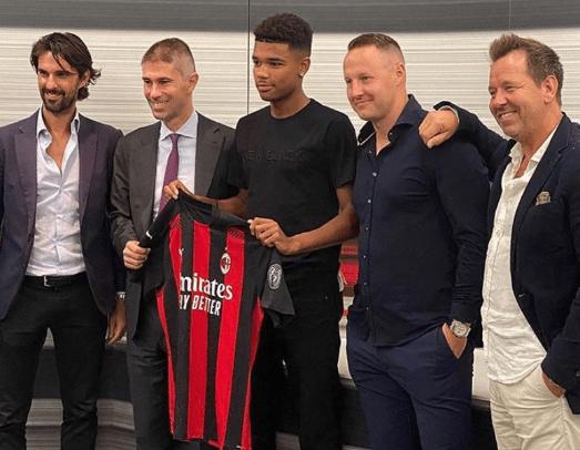 Emil Roback a rejoint l'AC Milan en provenance de Hammarby plus tôt cet été
