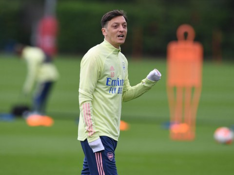 'A wasted talent' – Alan Smith reacts to Mesut Ozil's omission from Arsenal's Premier League squad