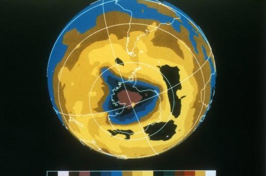Image en fausses couleurs du trou d'ozone en Antarctique, 30 novembre 1992.