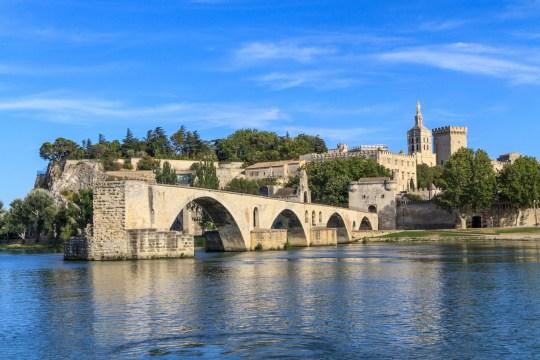Pont d'Avignon avec Palais des Papes, Pont Saint-Bénézet, Provence, France;  Shutterstock ID 119161561;  Bon de commande: -