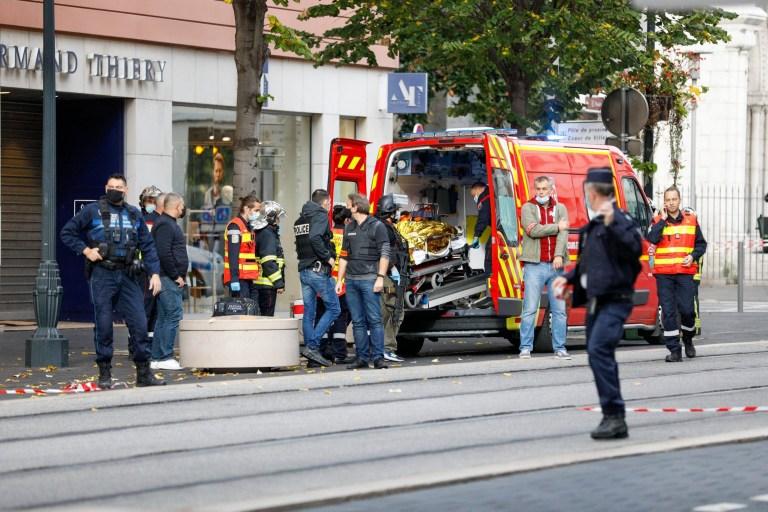 BGUK_2024272 - Nice, FRANCE - Les secours et la police sont mobilisés car un homme a attaqué plusieurs personnes avec un couteau dans la basilique Notre-Dame de Nice le 29 octobre 2020. Sur la photo: Belle attaque BACKGRID UK 29 OCTOBRE 2020 BYLINE DOIT LIRE: MEILLEURE IMAGE / BACKGRID Royaume-Uni: +44 208 344 2007 / uksales@backgrid.com États-Unis: +1310798 9111 / usasales@backgrid.com * Clients britanniques - Images contenant des enfants Veuillez Pixelate Face avant publication *