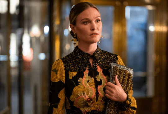 Julia Stiles in Riviera season 3