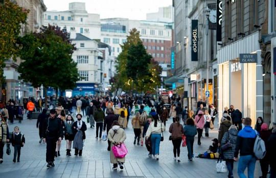 People go shopping before a four-week national lockdown is implemented to combat the spread of Covid 19, in Liverpool, Britain, 04 November 2020.