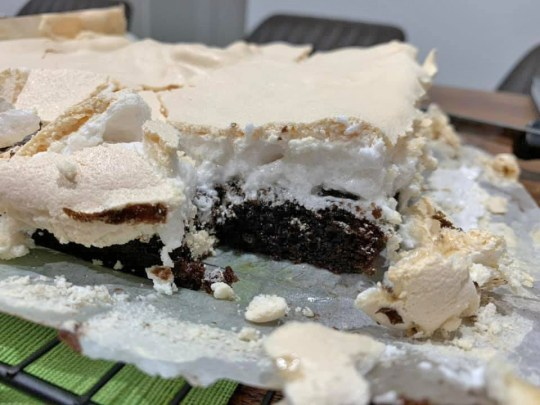 Brownies with a fluffy topping