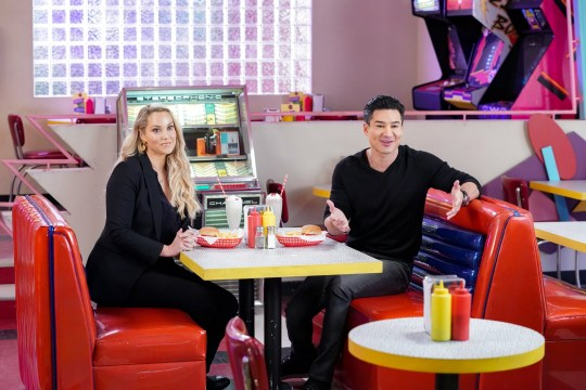 SAVED BY THE BELL Elizabeth Berkley as Jessica Spano and  Mario Lopez as A.C. Slater