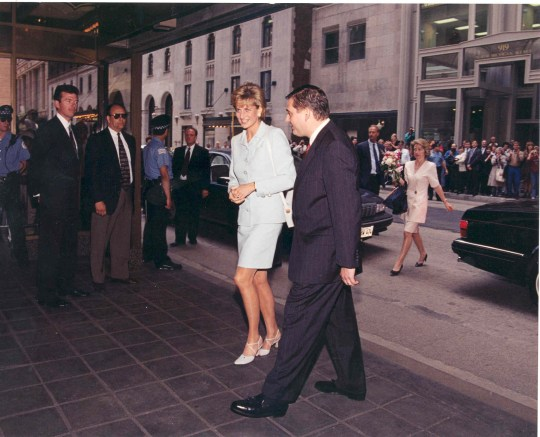 iconic Drake hotel in Chicago is home to the Princess Diana Suite where Princess Diana stayed during her visit to Chicago in 1996 Princess Diana arrives to The Drake with Martin Lawrence (General Manager at the time)