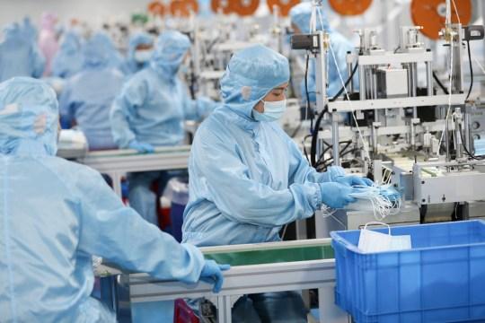 Le Royaume-Uni s'est procuré des EPI dans des usines de la ville chinoise de Dandong qui utilisent secrètement la main-d'œuvre nord-coréenne.