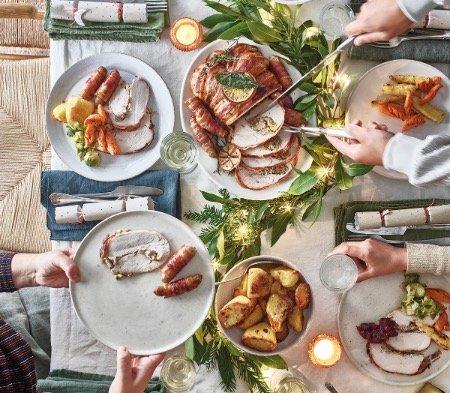 Cook Christmas dinner box