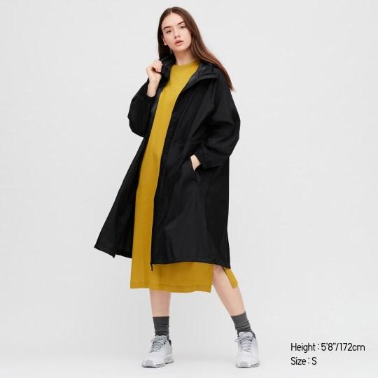 uniclo waterproof coat