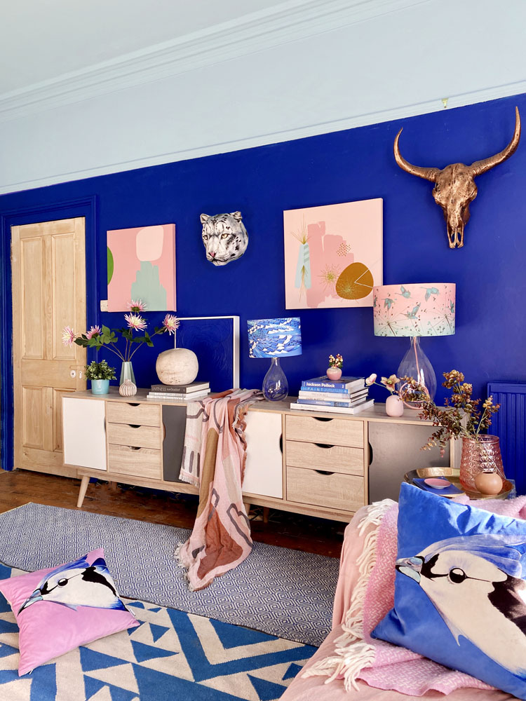 What I Rent: Anna, Crystal Palace - blue wall in living room