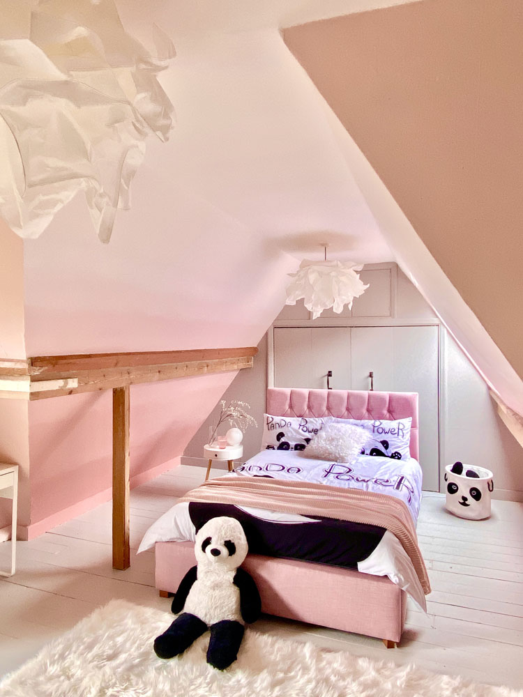 What I Rent: Anna, Crystal Palace - Coco Rose's bedroom