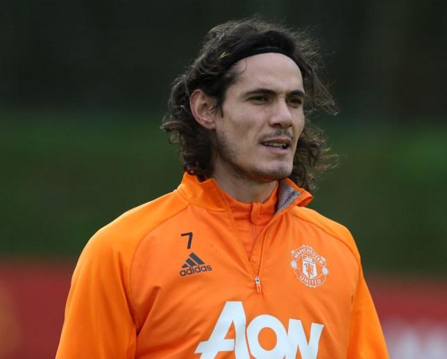 Edinson Cavani looks on in Manchester United training