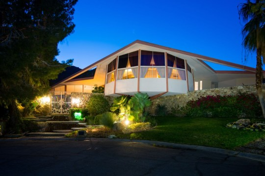 Elvis Presley's Honeymoon House of Tomorrow!