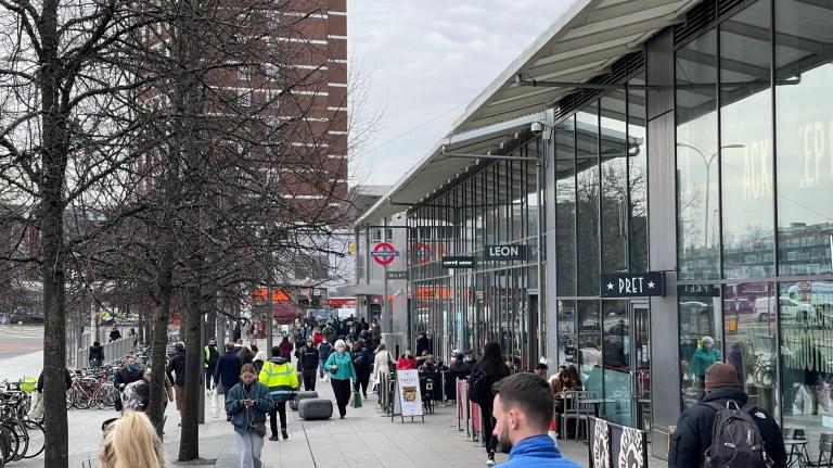 w8media Westfield Shopping Centre, Shepards Bush