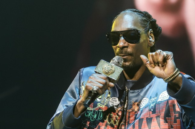 MIAMI, FLORIDA - JANUARY 31: Snoop Dogg performs at the Bud Light Super Bowl Music Fest - Night 2 at American Airlines Arena on January 31, 2020 in Miami, Florida. (Photo by John Parra/Getty Images for Bud Light)