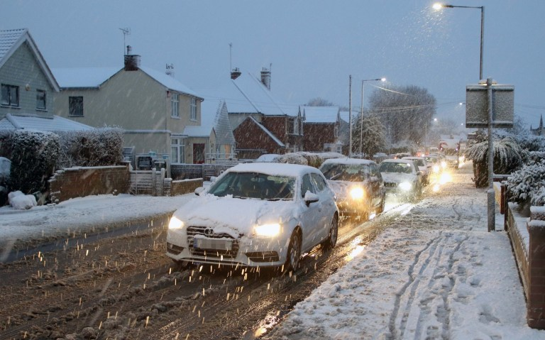 Date: 04-DEC-2020 Pictured: Motorists battling through the Snow in Colchester, Essex on Friday morning. Residents in Colchester got a surprise on Friday morning when they woke up to a huge covering of Snow! Words: Essex News and Pictures.
