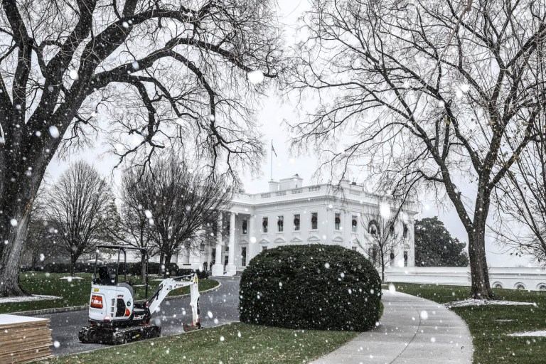 Snow at the White House
