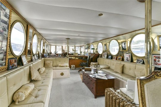 the living area of the houseboat flemont rose