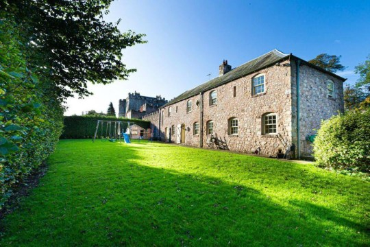 (garden of castle coach house in durham