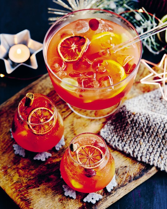 Fireside Sangria: Photo: RYLAND PETERS & SMALL