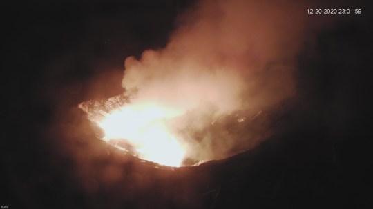 Éruption du volcan d'Hawaï signalée sur la grande île d'Hawaï