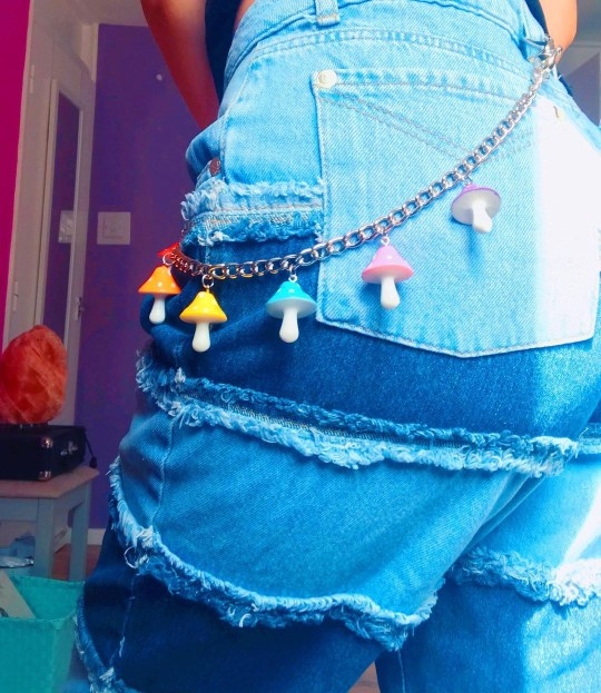 faeriebox, martha modelling her mushroom belt design