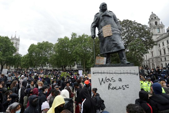 Statues and monuments to be protected from 'baying mobs' 2