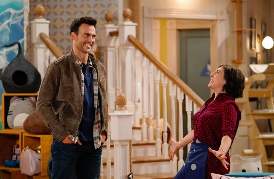 Cheyenne Jackson and Mayim Bialik in Call Me Kat
