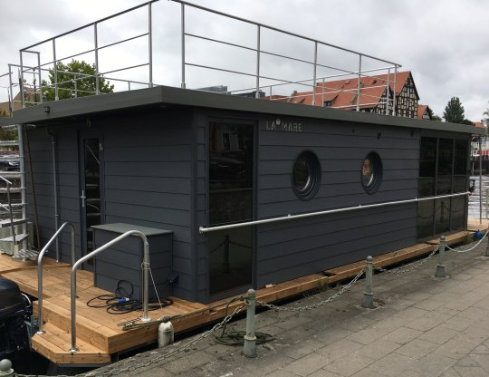 brighton waterlodge floating home