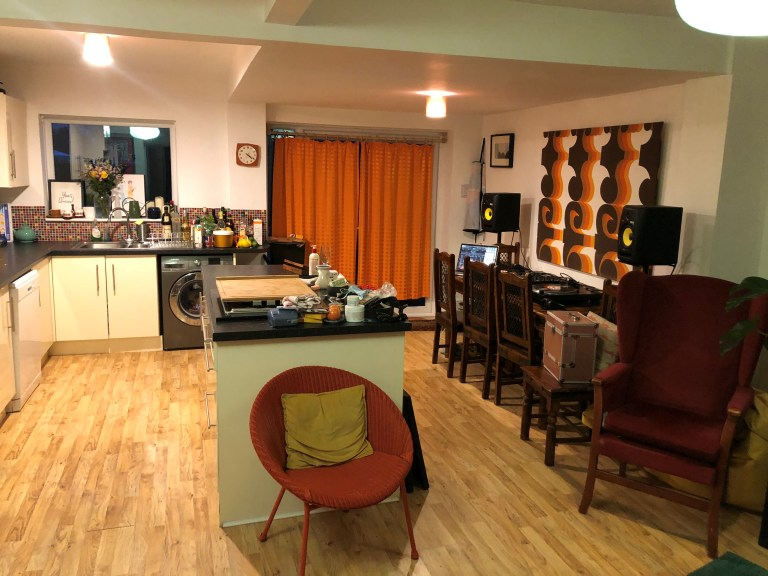 what i rent: iona, manchester - the kitchen area