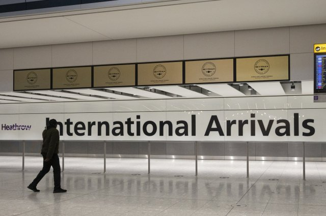 LONDON, UNITED KINGDOM - FEBRUARY 16: The international travellers arrivals areas of London Heathrow Airport in London, United Kingdom on February, 16, 2021. All travellers arriving in England from 33 high-risk countries will be required to quarantine in a hotel for 10 days. (Photo by Ray Tang/Anadolu Agency via Getty Images)